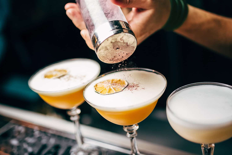 3 cocktails - digital marketing for cocktail bars